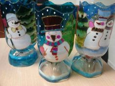 Discover thousands of images about This ice lantern would be so lovely to greet guests at a winter wedding! Plastic Bottle Crafts, Wine Bottle Crafts, Bottle Art, Recycle Plastic Bottles, Vintage Christmas Ornaments, Christmas Crafts For Kids, Kids Christmas, Christmas Tree Decorations, Rock Crafts