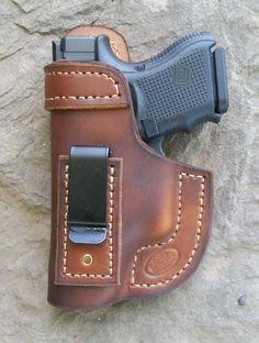 Right / Brown / IWB / Glock 26 holster Sob Holster, Leather Iwb Holster, Leather Pattern, Leather Projects, Leather Tooling, Leather Key, Custom Leather, Leather Craft, Hand Guns
