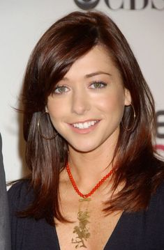 Alyson Hannigan Hunter Actress, Lily Aldrin, Gorgeous Redhead, Hello Beautiful, Beautiful Women, Alyson Hannigan, Buffy The Vampire Slayer, Hot Actresses, Redheads