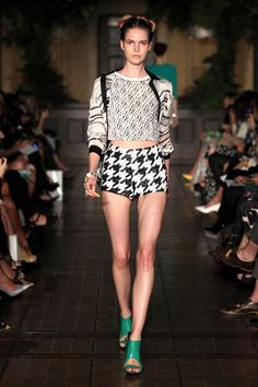Manning Cartell S/S 12/13; I HATE houndstooth but for this I could probably make an exemption ;)