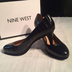 """NINE WEST NIB platform pump NINE WEST platform pump. NIB Crocodile-look. Perfect with a pencil skirt and ruffle blouse to complete your work attire beautifully. 3"""" heel. New with box. Size 8 Nine West Shoes Heels"""