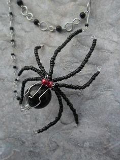 Homemade necklace tarantula / Halloween door JHFWBeadsAndFindings