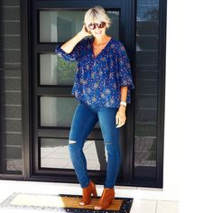 """""""Floaty top, skinny ripped jeans and peep toe boots, all my favourites for Autumn. #everydaystyle #syaw16 #jeans#sportsgirl #igdaily #igstyle #igblogger…"""""""