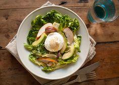Een overheerlijke salade met een extra smaaksensatie door de zoute ansjovis. Salades zijn heerlijk als lunch, bijgerecht of diner. Wel is het fijn om dat af en toe te wisselen …