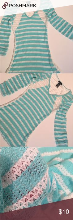 Women's Juniors Xs Sheer Light Weight Knit Top Juniors xsmall rue 21 teal and white heart patterned v neck sweater. Very sheer. Tops Blouses