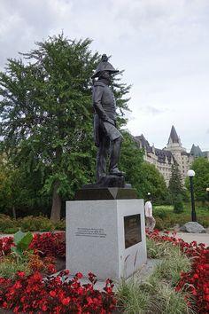 Ottawa - Canadian Roadtrip, Trek America LaLingua.co.uk Exeter, Ottawa, Statue Of Liberty, Trek, Garden Sculpture, Road Trip, Italy, America, Outdoor Decor