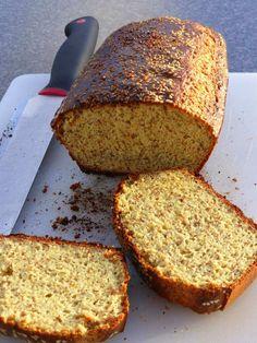 FacebookTwitterGoogle+PinterestWhatsApp Manchmal vermisse ich Brot ganz schön doll. Wenn es bei dir auch so ist, dann habe ich hier ein super Rezept für dich. Das Brot ist LCHF konform und hat wenig Kohlenhydrate, ist gesund und schmeckt richtig gut. Ich streiche mir noch schön dick Butter mit Knoblauch drüber. Und als australische Variante Vegemite oder …