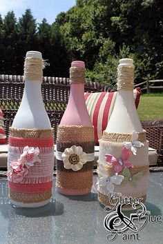 Don't know what to do with wine bottles. I will show you an easy way to make tiki torches using wine bottles. A tiki wine bottle decorates any deck or patio Empty Wine Bottles, Wine Bottle Corks, Diy Bottle, Wine Bottle Crafts, Bottles And Jars, Glitter Wine Bottles, Wine Craft, Idee Diy, Altered Bottles
