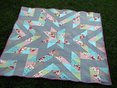 star quilt. same as the black and colourful one, but i like these colors better. :D