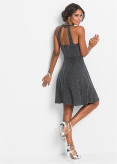 Kleid mit Glitzer schwarz jetzt im Online Shop von bonprix.de ab € 39,99 bestellen. Für glänzende Auftritte. Elegantes Kleid mit dezentem Knöpfen und ...