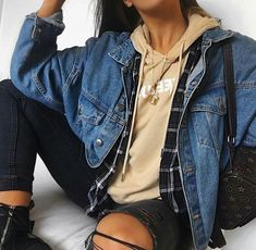 10 Pieces Every Androgynous Style Icon Needs - UK 10 pièces dont chaque icône de style androgyne a besoin - UK mignonnes Trendy Fall Outfits, Cute Winter Outfits, Winter Fashion Outfits, Casual Summer Outfits, Look Fashion, Outfits For Teens, Cute Comfy Outfits, Winter Clothes, Spring Outfits