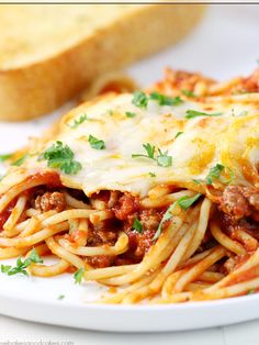 Cheesy Baked Spaghetti | Community Post: 15 Spaghetti Dishes That Would Make Your Grandma Jealous