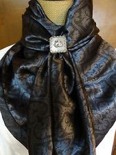 100% SILK -Wild Rag By Doris #169s Scarf Cowboy Cowgirl Buckaroo XL horse Cowgirl Outfits, Western Outfits, Western Wear, Cowgirl Chic, Cowgirl Style, Style Wish, My Style, Country Fashion, Clothing Co