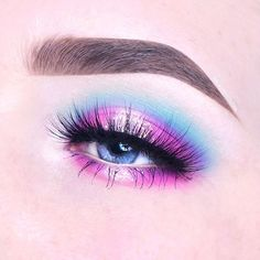 100 Days of Makeup - Day 80/100 Another view of the Cotton Candy Inspired eyelook - For the other angle I added some more glitter after taking this photo, so this one is a little less glittery. This is a collab with @BeccaBoo318 😍. She is one of the most creative people out here, I always love the looks she creates. Go check out her page and show her some love!! ••••••••••••••••••••••••••••••••••••••••• @Sugarpill Eyeshadows - Mochi, Heart-Shaped Cookie (transition), Dollipop, Poison Plum…