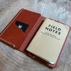 """""""A smooth tan Field Notes cover.  #edc #everydaycarry #handsewn #handmade #leatherwork #fieldnotes #fieldnuts #notebook"""""""