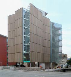 Edificio en Cassarate, Lugano por spbr Arquitetos. Imágenes de la construcción de este proyecto en Lugano, Suiza realizado por la oficina paulista dirigida por Angelo Bucci. Publicado en nuestra ARQ 78 | Extranjeros. Vía PLOT