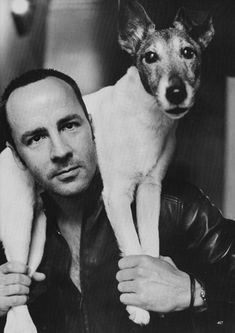 ★! tom ford by helmut newton in vogue from march 1999..¨Pour le chien, il ressemble au mien...