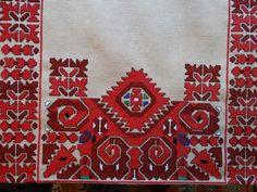 Folk Embroidery, Embroidery Patterns, Cross Stitch Patterns, Needlepoint Designs, Folklore, Cross Stitching, Bohemian Rug, Free Pattern, Beads