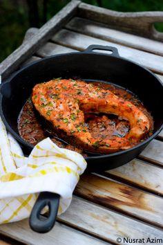 Curried Salmon via Sandra Angelozzi Fish Dishes, Seafood Dishes, Seafood Recipes, Indian Food Recipes, Asian Recipes, Healthy Cooking, Cooking Recipes, Healthy Recipes, Healthy Food