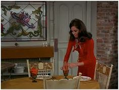 Movie Monday: The Mary Tyle Moore Show - Making Nice in the Midwest Mary Tyler Moore Show, Vintage Tv, Vintage Makeup, Vintage Decor, Retro Hairstyles, Wedding Hairstyles, Home Tv, Classic Tv, Old Movies