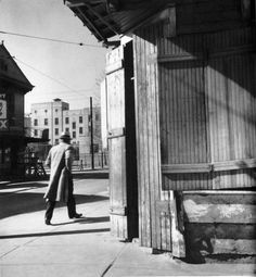 John Gutmann: Man in a hurry, New Orleans, 1937