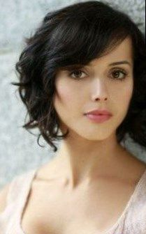 30 Easy Hairstyles for Short Curly Hair, Peinados, 30 Easy Hairstyles for Short Curly Hair, If you have difficulty shaping your wavy hair in the morning, maybe the problem is in haircut.