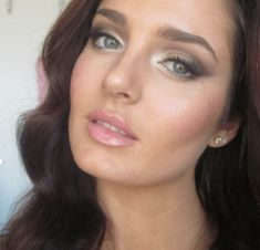 Adriana Lima Victoria's Secret Angel Makeup Tutorial! I will definitely be trying this!