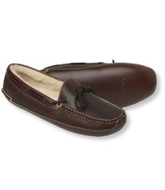93ce7c48881e56 LL Bean Slippers. A great house-warming gift for the husby when we move