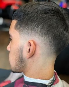 Match your cool hairstyle with an iconic low taper. See how you can modify this trend when you check out these low taper fade haircuts! Bald Taper Fade, Low Taper Fade Haircut, Top Hairstyles For Men, Cool Haircuts, Medium Hairstyles, Wedding Hairstyles, Undercut With Beard, Undercut Pompadour, Wavy Hair Men