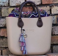 Bag Closet, Fashion Bags, Womens Fashion, Girl Bottoms, Fashion Over 50, Baggage, Leather Bag, Purses And Bags, Toddlers