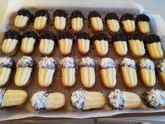 ΚΑ-ΤΑ-ΠΛΗ-ΚΤΙ-ΚΑ και Αφράτα πτι φουρ Greek Pastries, Tree Branch Decor, Greek Recipes, Christmas Cookies, Biscuits, Barbie, Pudding, Sweets, Vegetables