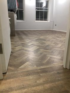 Amtico Herringbone Flooring to Premises - Teppiche ideen Amtico Flooring Kitchen, Karndean Flooring, Hall Flooring, Wood Tile Floors, Wood Laminate Flooring, Vinyl Plank Flooring, Parquet Flooring, Hardwood Floors, Flooring Ideas