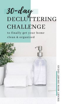 Decluttering Challenge How to declutter your home - simple 15 minute decluttering tasks. A decluttering challenge for busy moms. Weekly Cleaning Checklist, Deep Cleaning Tips, House Cleaning Tips, Diy Cleaning Products, Cleaning Hacks, Declutter Your Home, Organize Your Life, Challenge, Organized Mom