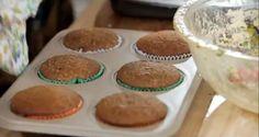 Muffin de banana com canela Bolinho individual com massa integral é receita perfeita para lanche ou piquenique