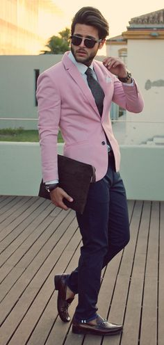 Mens Fashion Looks & Style Inspiration Mens Fashion Magazine, Mens Fashion Blog, Fashion Moda, Suit Fashion, Male Fashion, Fashion Trends, Sharp Dressed Man, Well Dressed, Rosa Blazer Outfits