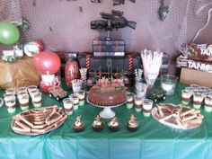 party table call of duty army party Army Birthday Parties, Army's Birthday, Birthday Celebrations, Birthday Ideas, Military Party, Army Party, I Party, Party Time, Party Ideas