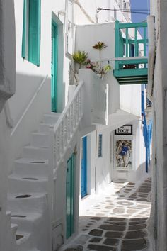 I just can't get enough getting lost in the narrow walks of Mykonos......
