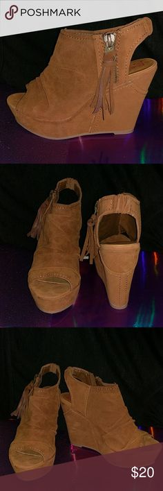 Camel colored wedge. Open toe wedge. Zipper detail on side. Big Buddha Shoes Wedges