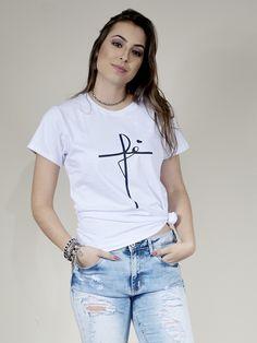 Imagem relacionada T Shirts For Women, Popular, Fashion, Supreme T Shirt, Women's T Shirts, Moda, Fashion Styles, Popular Pins, Fashion Illustrations