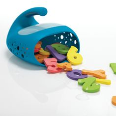 Smart Design team: Tucker Fort, Hideaki Matsui, Brook Kennedy and Nicholas Oxley. OXO Tot Whale Pail for bath toys. IDEA 2012 | Finalist.