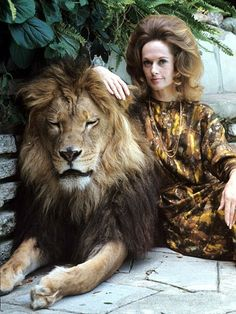 #TippiHedren looking fabulous...and then some!  LOVE the hair, girlfriend!