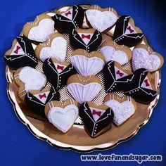 Galletas: Novios (Boda Civil TINA Y YOSHI). Love, Fun and Sugar. #cookie #cookies #galleta #galletas #lovefunandsugar #yummy #ñomi #dessert #dulces #postres #bake #baking #cook #cooking #cake #cakes #pastries #pasteleria #patisserie #cocina #sugar #sweet #delicious Link-> http://www.lovefunandsugar.com/2015/10/galletas-novios-boda-civil-tina-y-yoshi.html