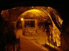 la grotta del vino