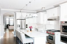 Discover Kitchen design ideas & inspiration, expertly curated for you. Explore Kitchen decor and design ideas, save them to inspire your next project, and shop your favorite products. Kitchen Dining, Kitchen Decor, Kitchen Ideas, Room Interior, Interior Design, White Home Decor, White Houses, Dining Room Design, Bedroom Colors