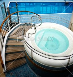 Turquoise Spa bath, steps and swimming pool