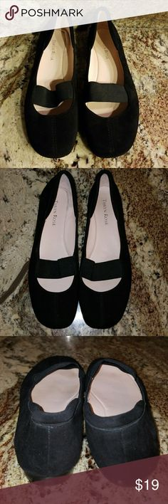 {Taryn Rose} Black Velour Flats Taryn Rose Black Velour Flats  - Black velour. - Good condition, minor smudge that may be removed on back of heel (pic 3.) Offers Welcome! Taryn Rose Shoes Flats & Loafers