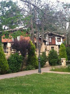 Villas del Hotel Abadía de los Templarios, enclave del Pueblo Inglés en La Alberca, Salamanca