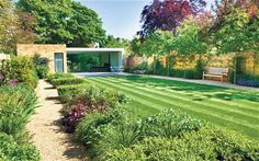 A modern town garden in Blackheath designed by Tommaso del Buono and Paul…