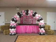 Vintage Cowgirl Balloon Arch by Pom Pom Planning! Check us out at pompomplanning.com!
