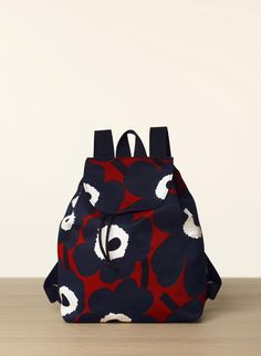 Erika Unikko - Marimekko fabric bags with pattern Handbag Accessories, Fashion Accessories, Marimekko Fabric, Painted Bags, Fall Fashion 2016, Fabric Bags, Blue Bags, Couture, Purses And Handbags